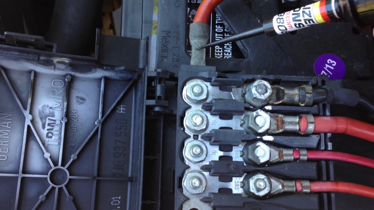 maxresdefault 2002 vw jetta tdi alh bad battery fuse box found youtube vw battery top fuse box at bayanpartner.co