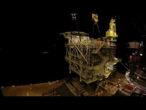 Installing Malfumeira WHP SUL topside in Angola with the SSCV Hermod