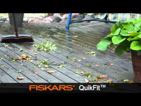 Fiskars QuikFit™  Patio Broom 135533