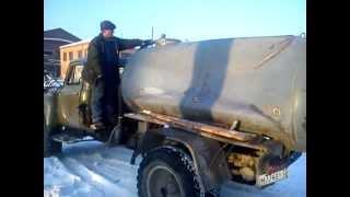 вакуумную бочку расправили водовозкой(На вакуумной машине сморщило бочку, подключили водовозку, заполнили вакуумку водой и надавили давлением..., 2013-01-23T22:28:29.000Z)