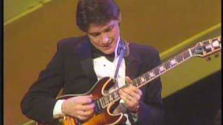 Robben Ford solo - It Don't Mean A Thing (If It Ain't Got that Swing)