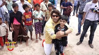 Cute Momemts With Gurmeet Choudary As He Promotes 'PALTAN' At Juhu Beach With Kids