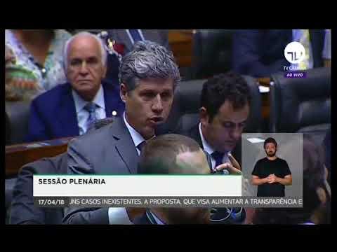 Dep. Paulo Teixeira (PT-SP) registra homenagem a Paul Singer, economista e fundador do PT