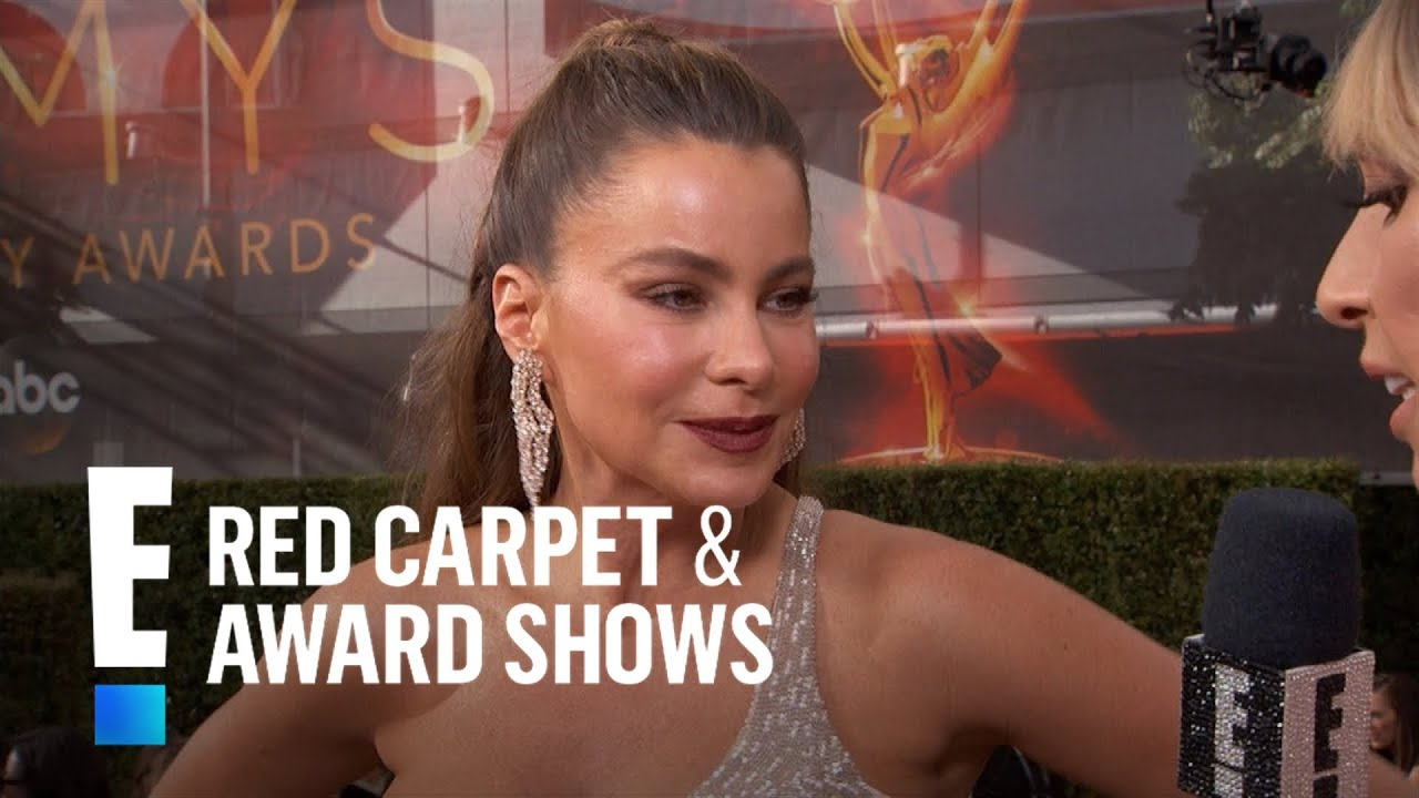 Sofia vergara comments on her sexy signature style e red carpet award shows youtube - Watch e red carpet online ...
