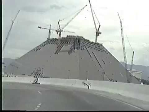 1993 Drive Down The Las Vegas Strip And Construction