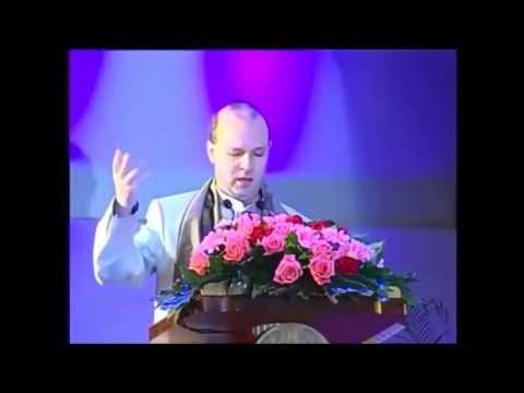 PRESIDENT DR  ANTON CARAGEA RECOGNIZE LAOS STATUS AS 2013 WORLD BEST TOURISM DESTINATION