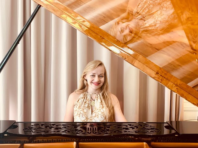 J.S. Bach. Praeludium & Gigue from Keyboard Partita no. 1 in B-flat Major, BWV 825