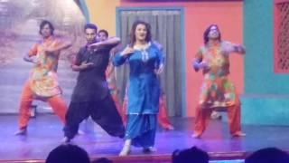 Saima khan And Farah khan Latest Stage Dance
