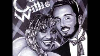 Willie Colon canta Celia Cruz Dos Jueyes