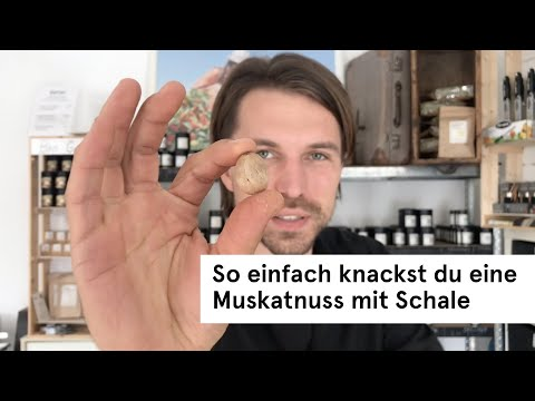 Wie Offnet Man Eine Muskatnuss Mit Schale Gewurztipp Direkt Vom Feld Youtube