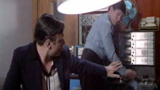 David Essex - You Kep Me Waiting...