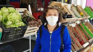 Villa El Libertador: convirtió su local de ropa en una verdulería ante la crisis por la cuarentena