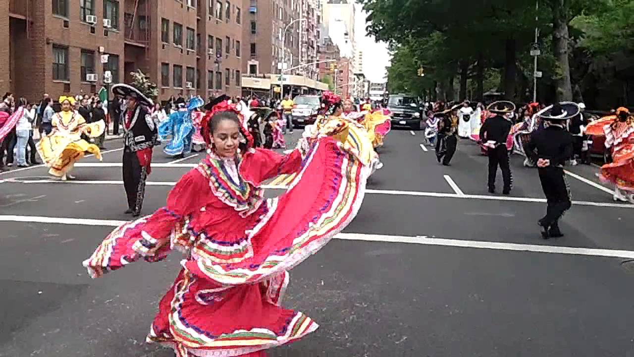 Cinco De Mayo Paradenyc2012folkloric Ballet Dancers From Brooklynnycparadelife You