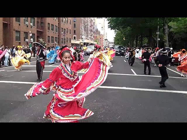 Cinco de Mayo Parade~NYC~2012~Folkloric Ballet Dancers from Brooklyn~NYCParadelife