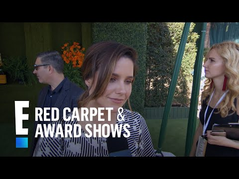 Sophia Bush Kisses and Tells on ExCostar Ryan Reynolds  E! Live from the Red Carpet