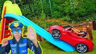 Claudia sube con su coche por un tobogan!! By Las Ratitas thumbnail