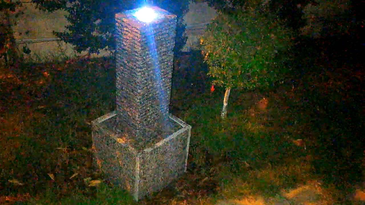 Fontana in granito con illuminazione led per giardino e interno