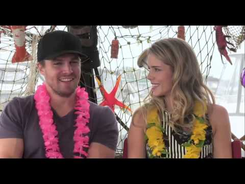 Stephen Amell and Emily Bett Rickards SDCC 2013 Interview