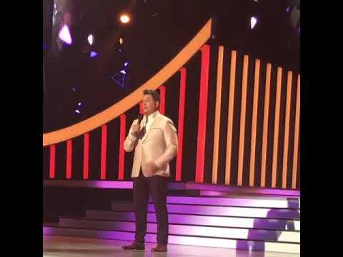 Daniel Sarcos y sus emotivas palabras para Venezuela en Premios Tu Mundo 2017