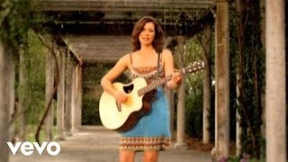 Amy Grant – She Colors My Day #ChristianMusic #ChristianVideos #ChristianLyrics https://www.christianmusicvideosonline.com/amy-grant-she-colors-my-day/ | christian music videos and song lyrics  https://www.christianmusicvideosonline.com