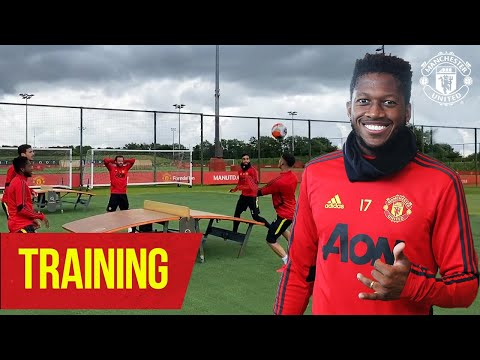Training | Fred/Dalot vs Bruno/Andreas | Teqball ⚽️ | Manchester United
