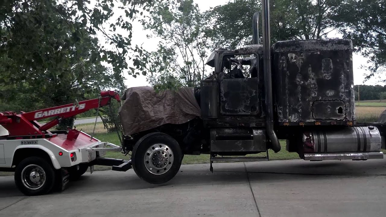 little tow truck doing big tow truck work like a p youtube. Black Bedroom Furniture Sets. Home Design Ideas