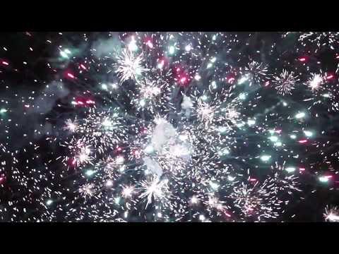 Nuevo Año En Ecuador 2019, Despido El  2018 Con Fuegos Artificiales.