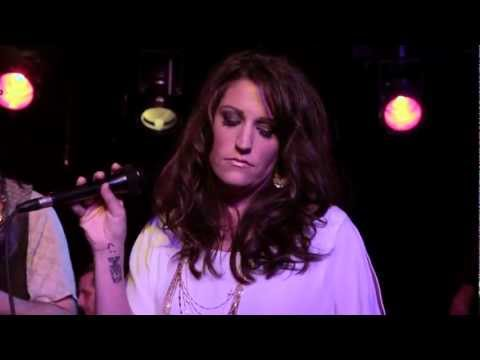 Separate Ways (Worlds Apart) by Journey- LIVE Covered by Leslie DiNicola