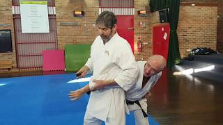 Knife defence 4_Evade, deflect and capture.