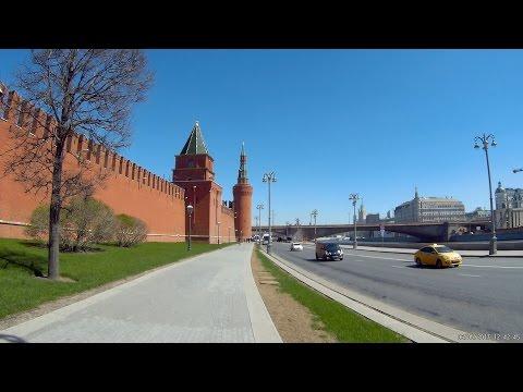 От Охотного ряда до Новокузнецкой по предпраздничной Москве