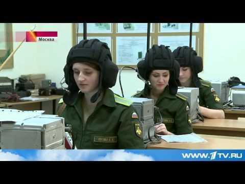 Девушки осаждают военные вузы