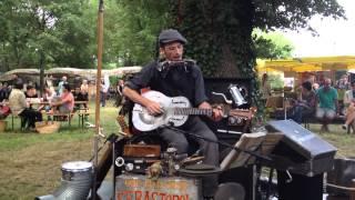 One man band Sébastopol