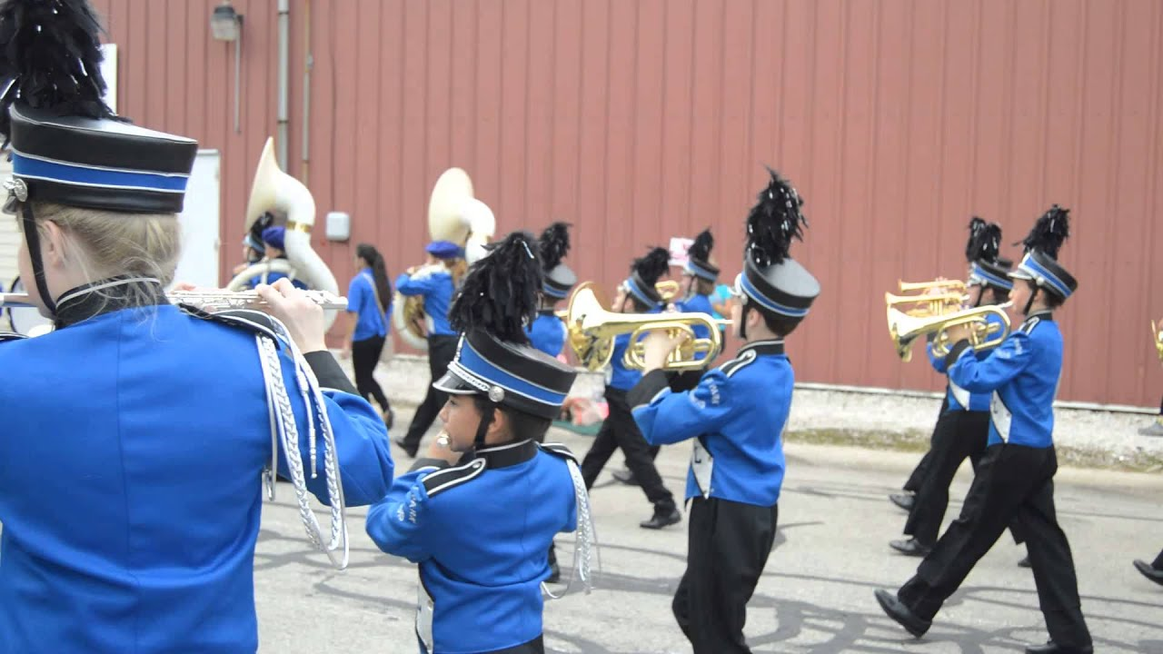 Central Middle School Marching Band shines on Morris Corn ...