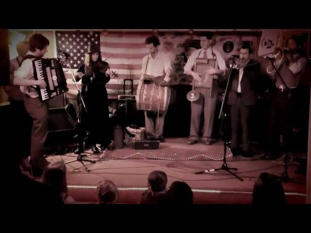"""At the Jazz Band Ball"" - The California Feetwarmers at Exene's Moonlight Hootenanny"