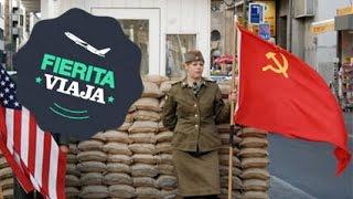 Checkpoint Charlie en Berlín Alemania - Fierita Viaja