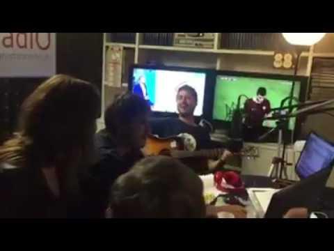 Alessandro Di Battista ospite a The Voiceless su Elle Radio