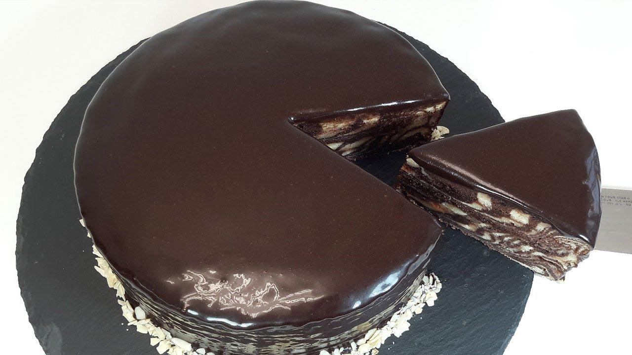 ПРОСТАЯ шоколадная глазурь за 5 минут! 👍 Недорогая ГЛАЗУРЬ для торта из какао и сметаны | Хочу ТОРТ