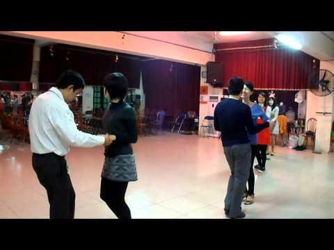 Học khiêu vũ Bachata IDC club 3-5-CN hàng tuần tại Hà Nội