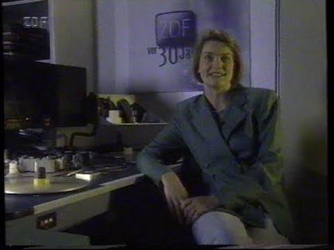 Eine Folge VOR 30 JAHREN (Doku BERLIN - VOM HINTERHOF ZUR GROPIUSSTADT) mit ULRIKE ANGERMANN (1996)
