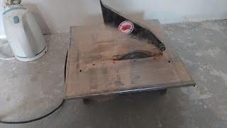 видео Резка кафеля или как сверлить плитку: станок и инструменты