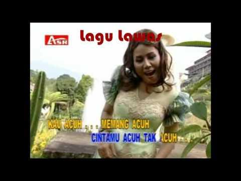 Rita Sugiarto - Acuh Tak Acuh (Video + Lirik)