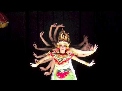 Ciaaattt...Dewi Saraswati