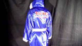 Top Ten Boxing Robe (Blue)(http://www.fighters-inc.com/boxing-robe-blue-product-4092 A high quality product, made of heavy satin/polyester. Embroidery on the back: »Get in the Ring«., 2008-04-14T13:15:53.000Z)