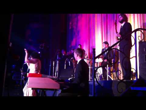 The Bamboos feat. Kylie Auldist - Cut You Loose LIVE