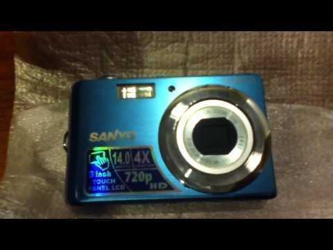 Unboxing of the Sanyo VPC-E1500TP camera