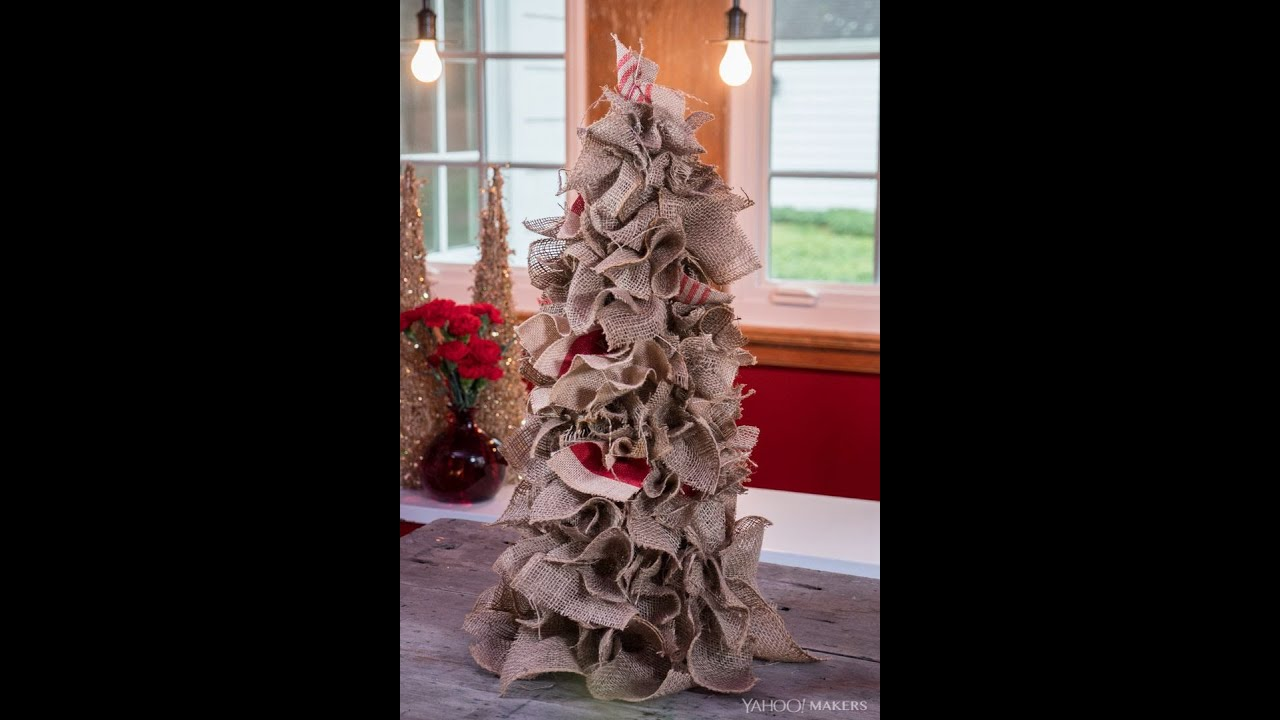burlap is the key to this alternative diy christmas tree - Burlap Christmas Decorations