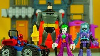 SPIDERMAN & BATMAN get SHRUNK by JOKER & FREEZE ! superhero toys imaginext lego