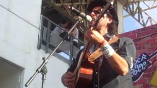 JUMBO Y CARLA MORRISON Clemente y Carla / Calaveras y Diablitos / Vive Latino 2012