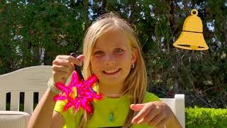 Alicia y hermanas juegan al escondite con trajes verdes mágicos y bromean con papá #3