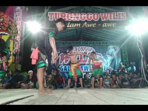 Turonggo wilis lagu sawangen voc bu yayuk waranggono live acara ultah ke 2